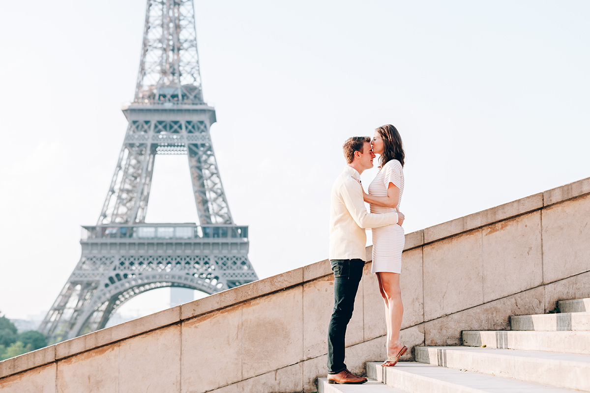 Paris-Photographer-Tour-Eiffel-Surprise-Proposal-Engagement-Iheartparisfr.jpg
