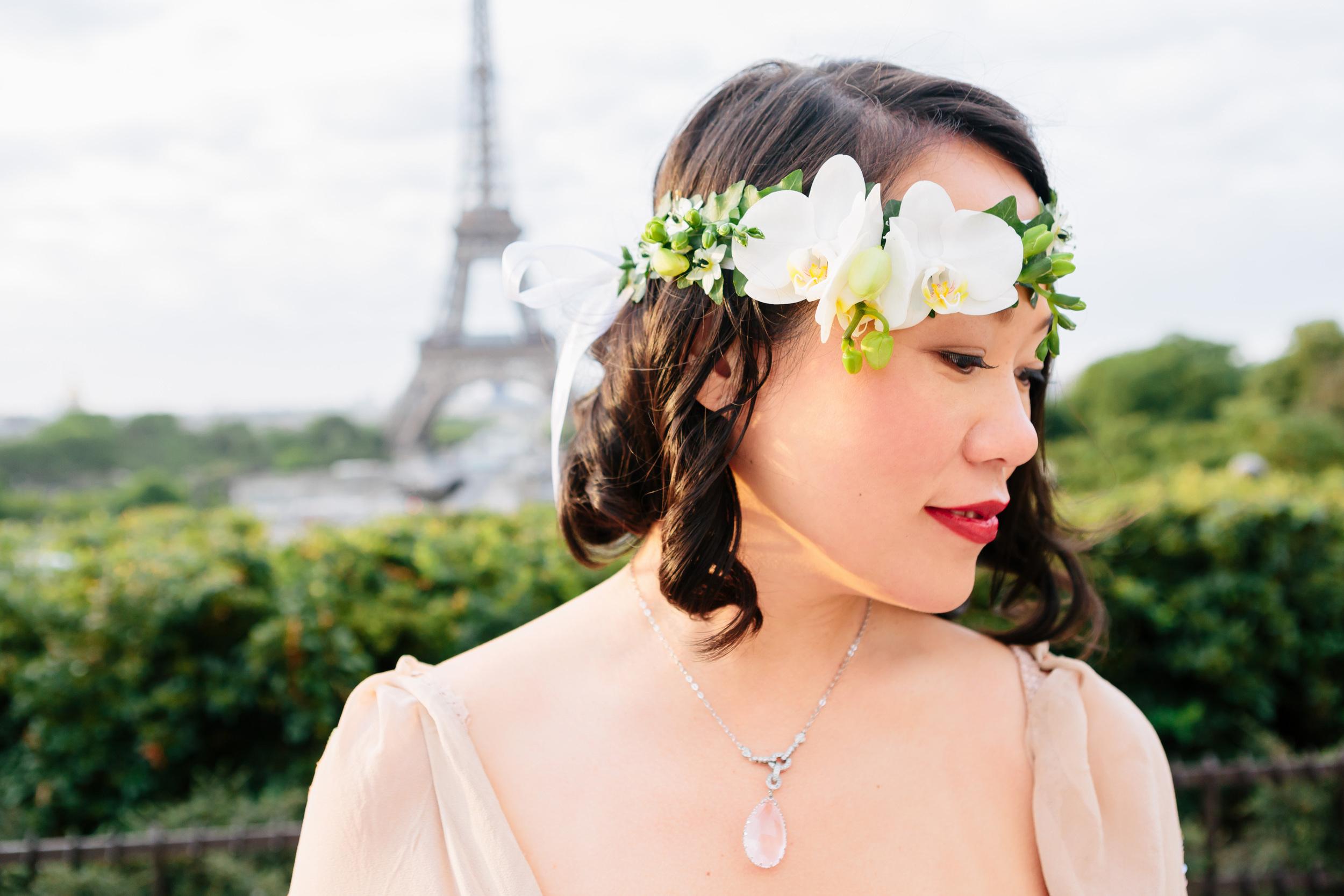 Photographer in Paris, Eiffel Tower, Birthday, flowers, personal branding, IheartParisfr