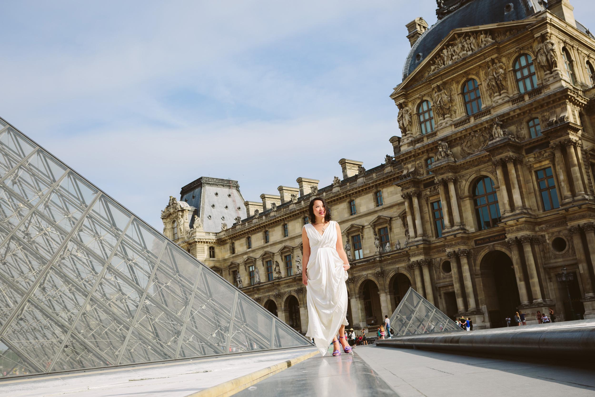 Photographer in Paris, The Louvre Pyramid, Birthday, individual, IheartParisfr