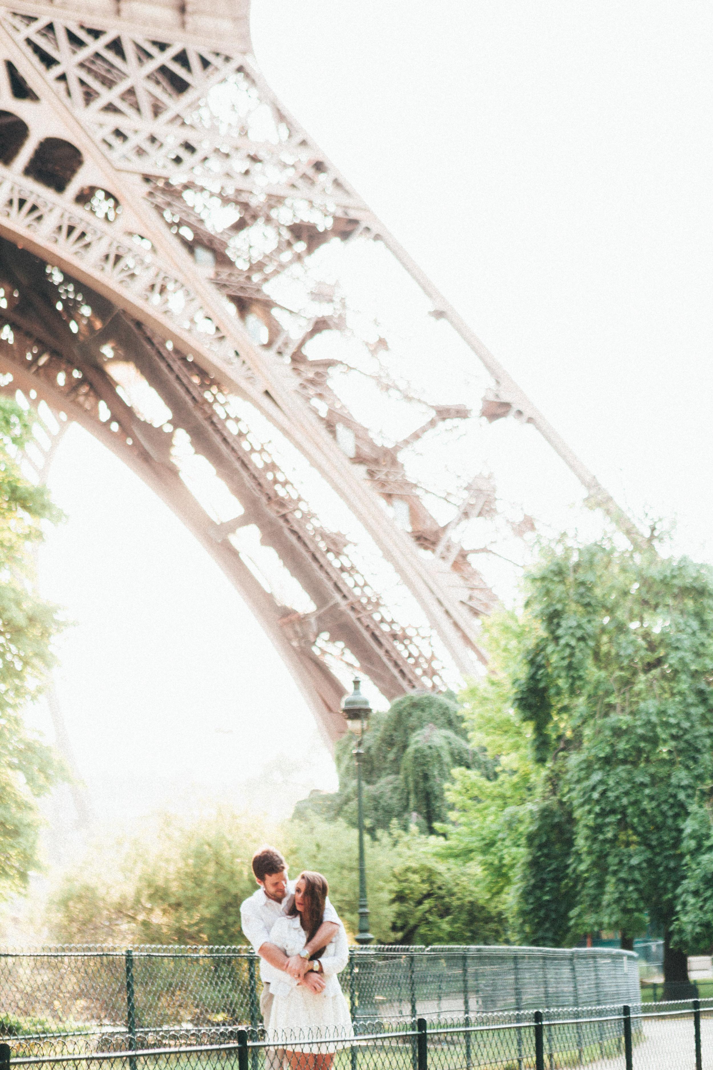 Photographer in Paris Eiffel Tower Love Lovebirds Trocadero SweetKiss Iheartparisfr