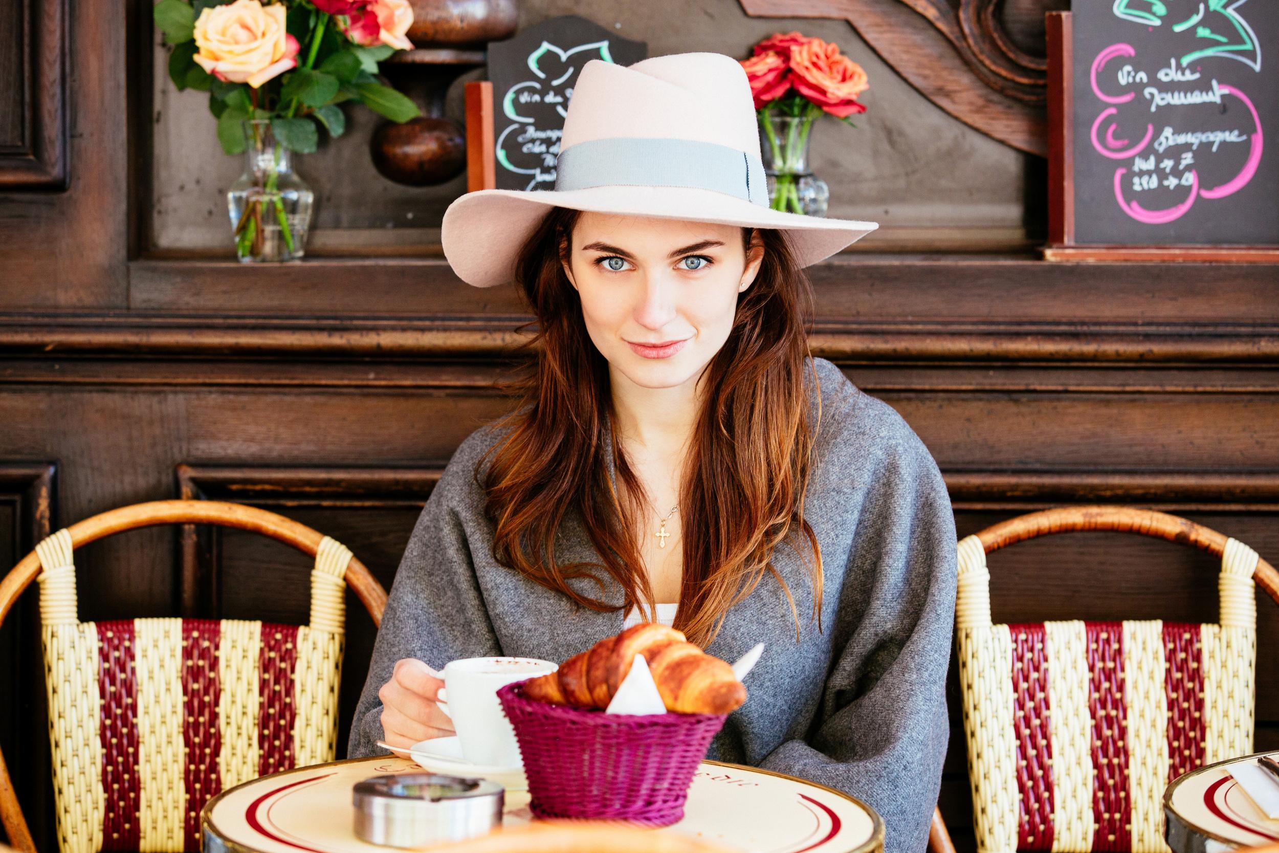 Photographer in Paris, Parisian cafe, portrait, Brand, Lookbook, Iheartparisfr