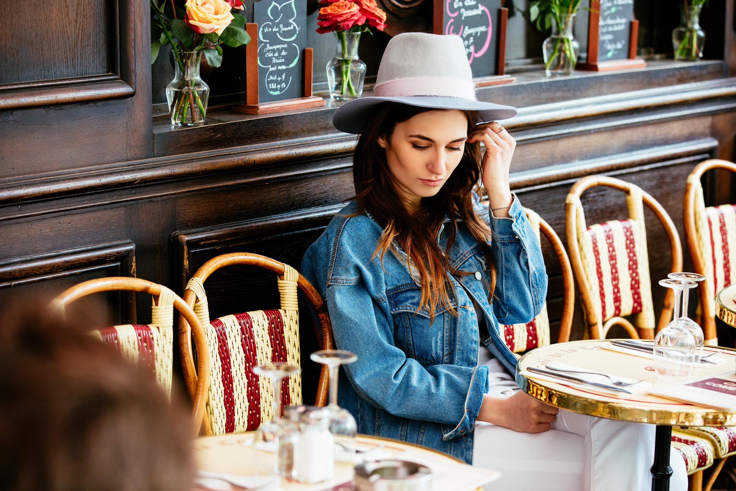 Photographer in Paris, portrait, Cafe in Paris, portrait, Brand, Lookbook, Iheartparisfr