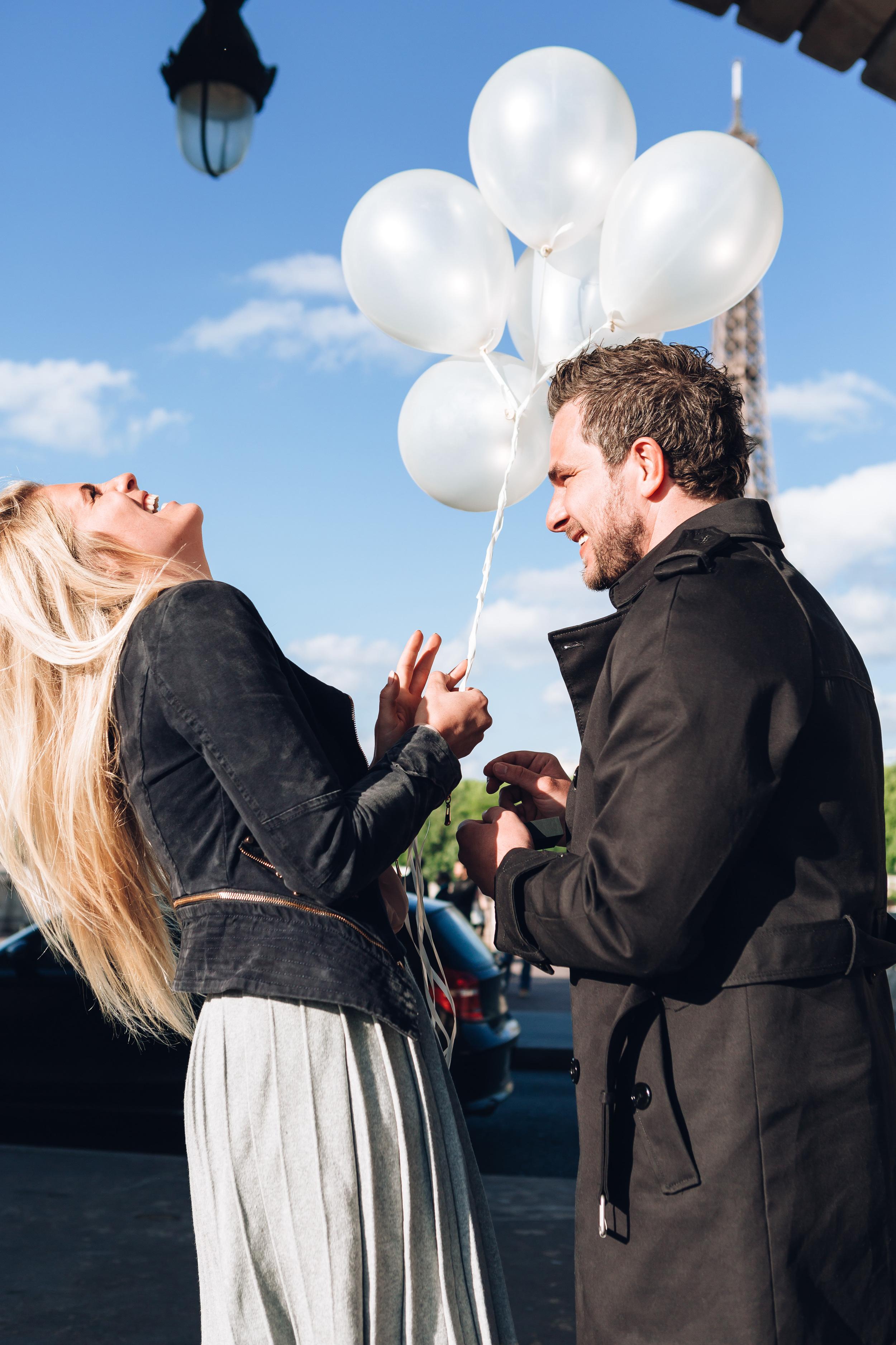 Paris Photographer Surprise Proposal Bir Hakeim engagement Eiffel Tower BirHakeim Iheartparisfr