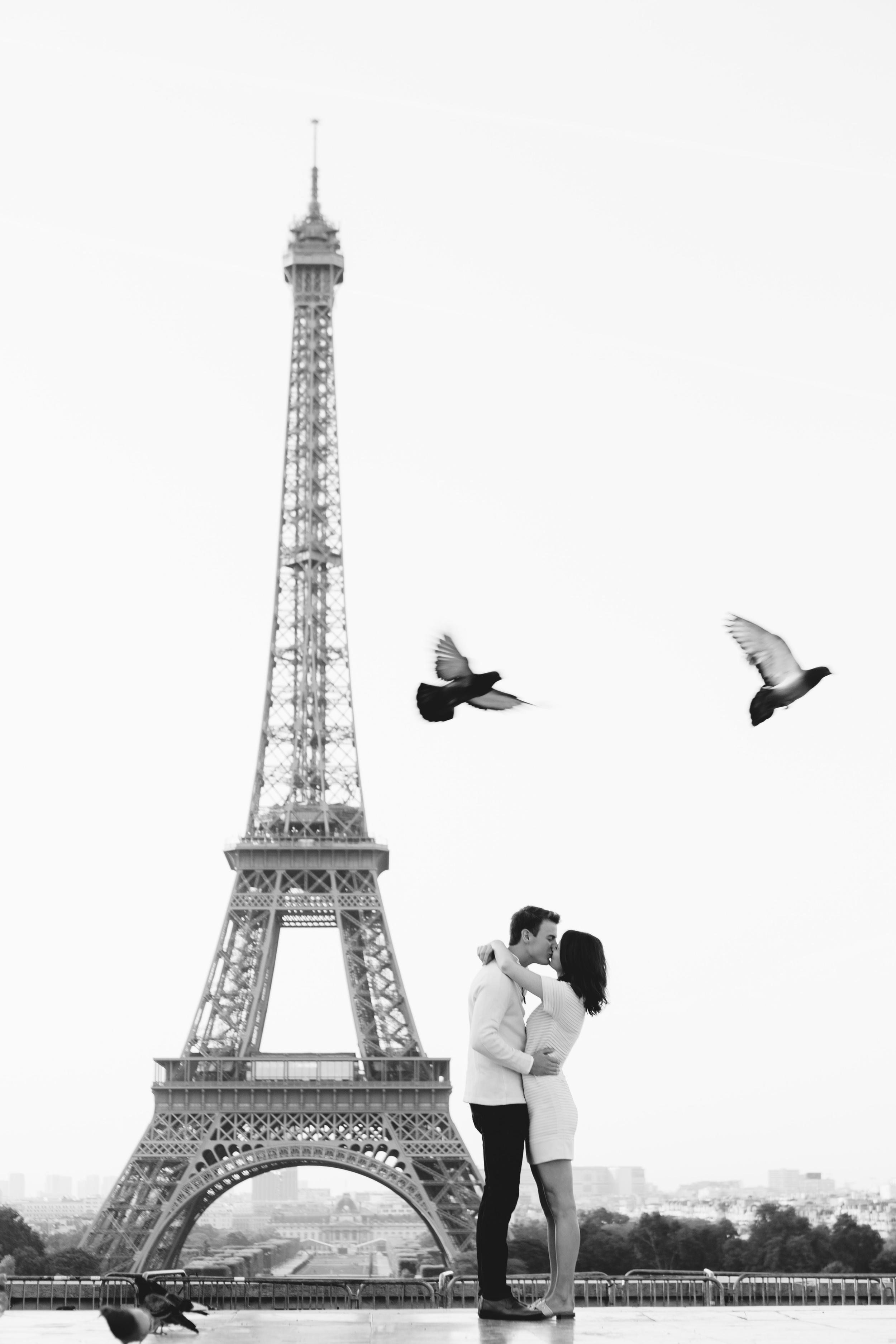 Paris-Photographer-Eiffel-Tower-Surprise-Proposal-Iheartparisfr.jpg
