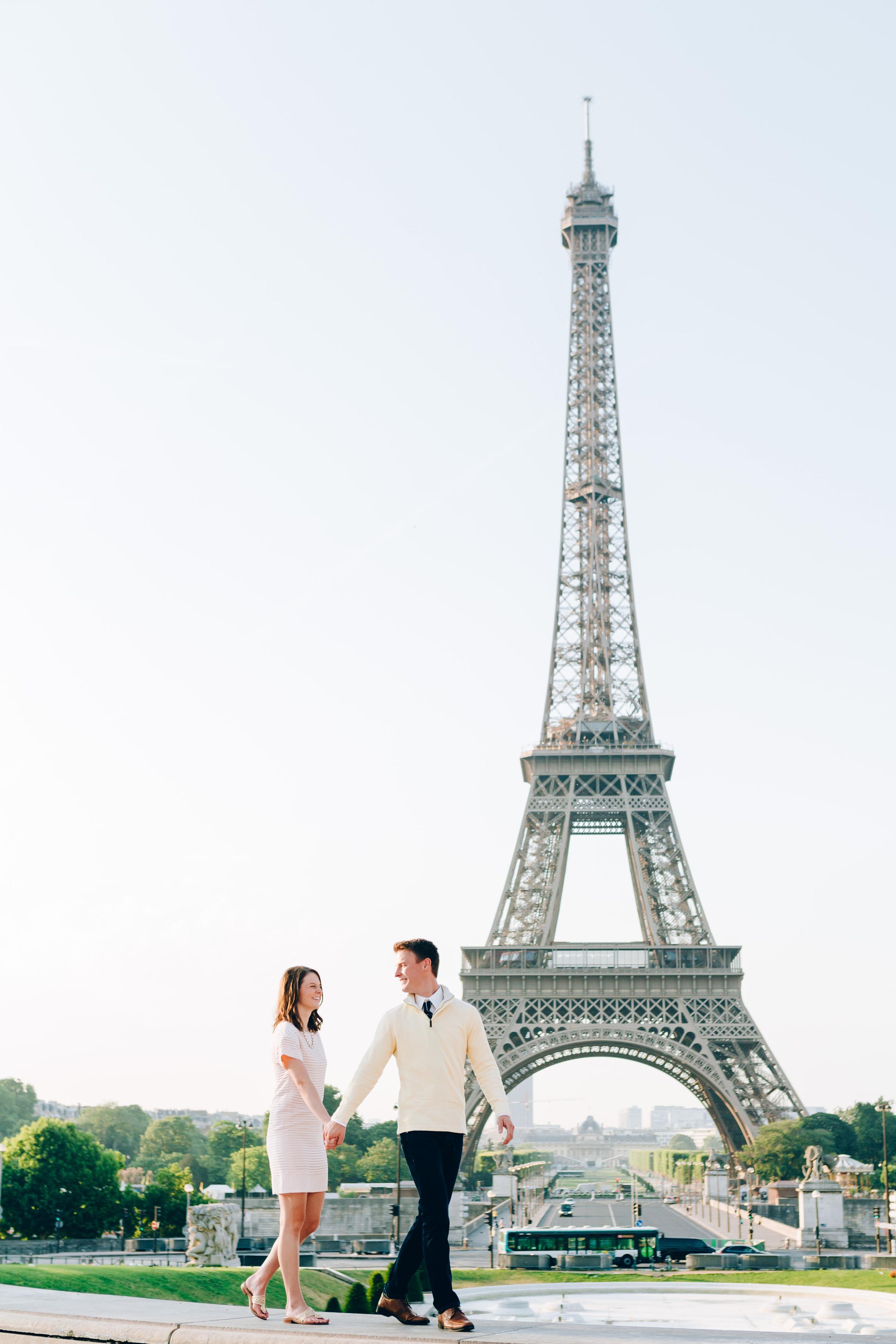 Paris-Photographer-Eiffel-Tower-Propose-in-Paris-Iheartparisfr.jpg