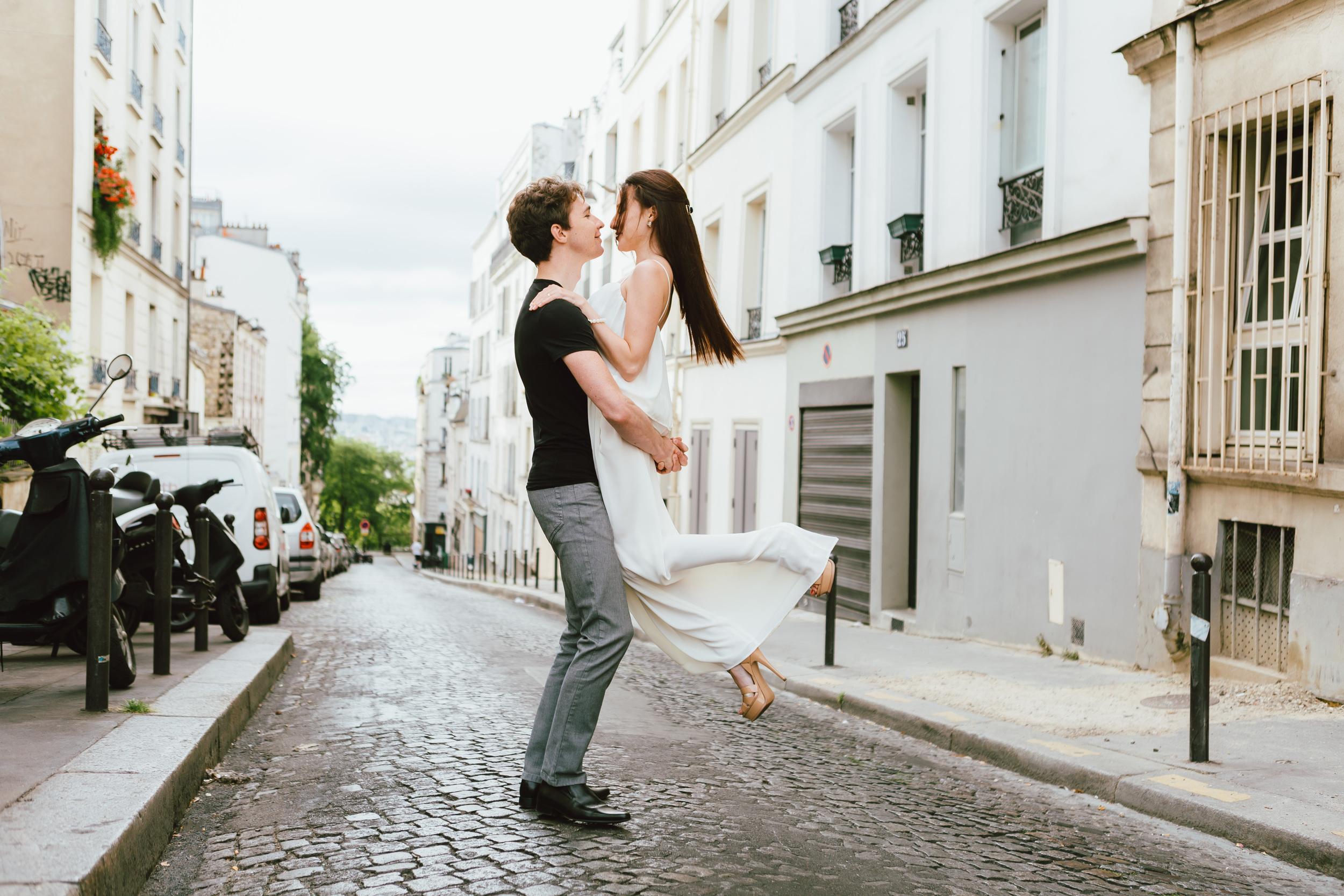 Photographer in Paris, Montmartre, Lovestory, France, in love in Paris, iheartparisfr