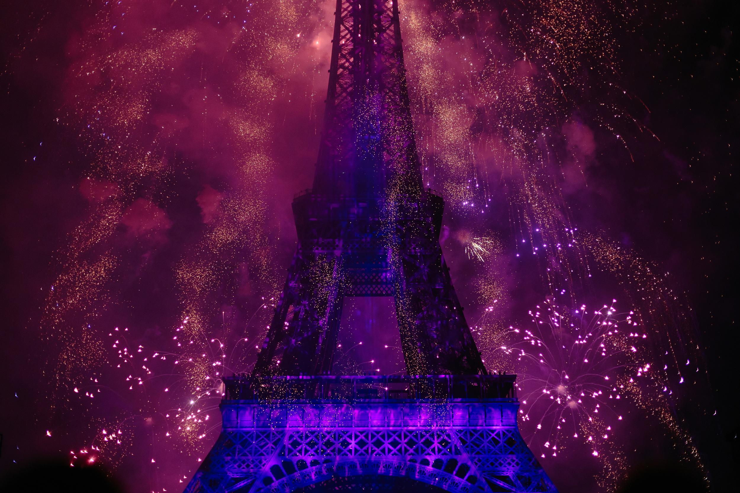 Photographer in Paris, Bastille, Fireworks, Eiffel Tower, Iheartparisfr