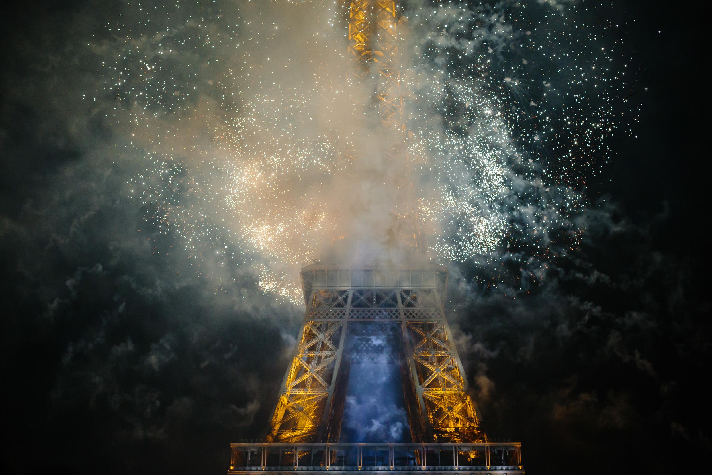Photographer in Paris, Fireworks, Bastille2015, Eiffel Tower, Iheartparisfr