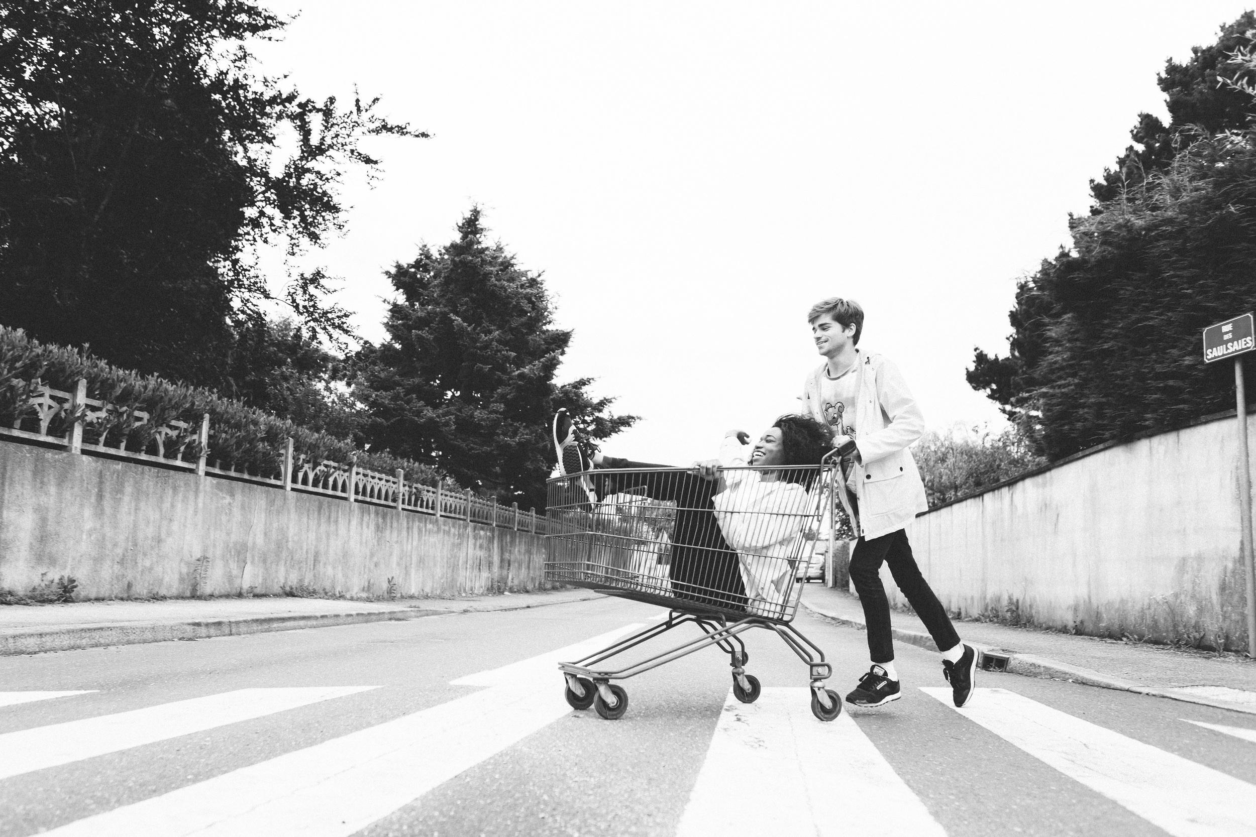 Photographer in Paris, Lovestory, run, iheartparisfr