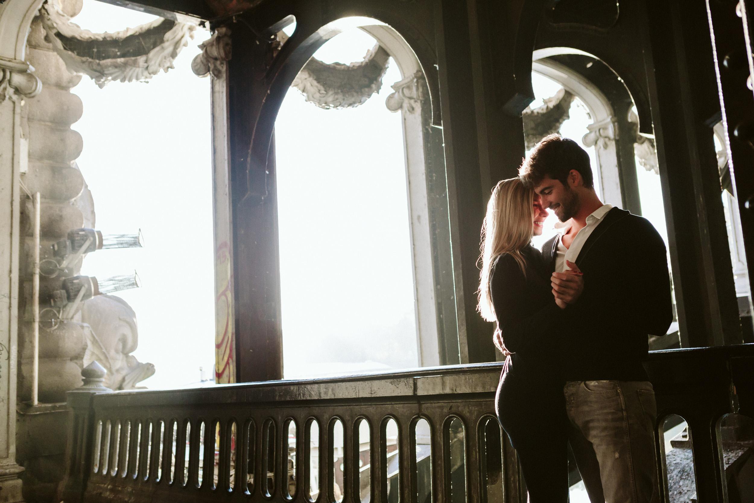 Paris Photographer Lovestory Engagement Pont Alexandre III