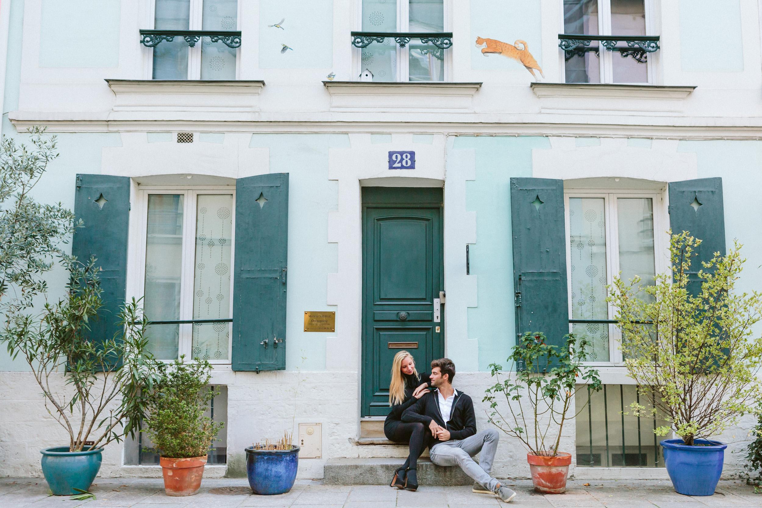 Paris Photographer Lovestory street rue cremieux