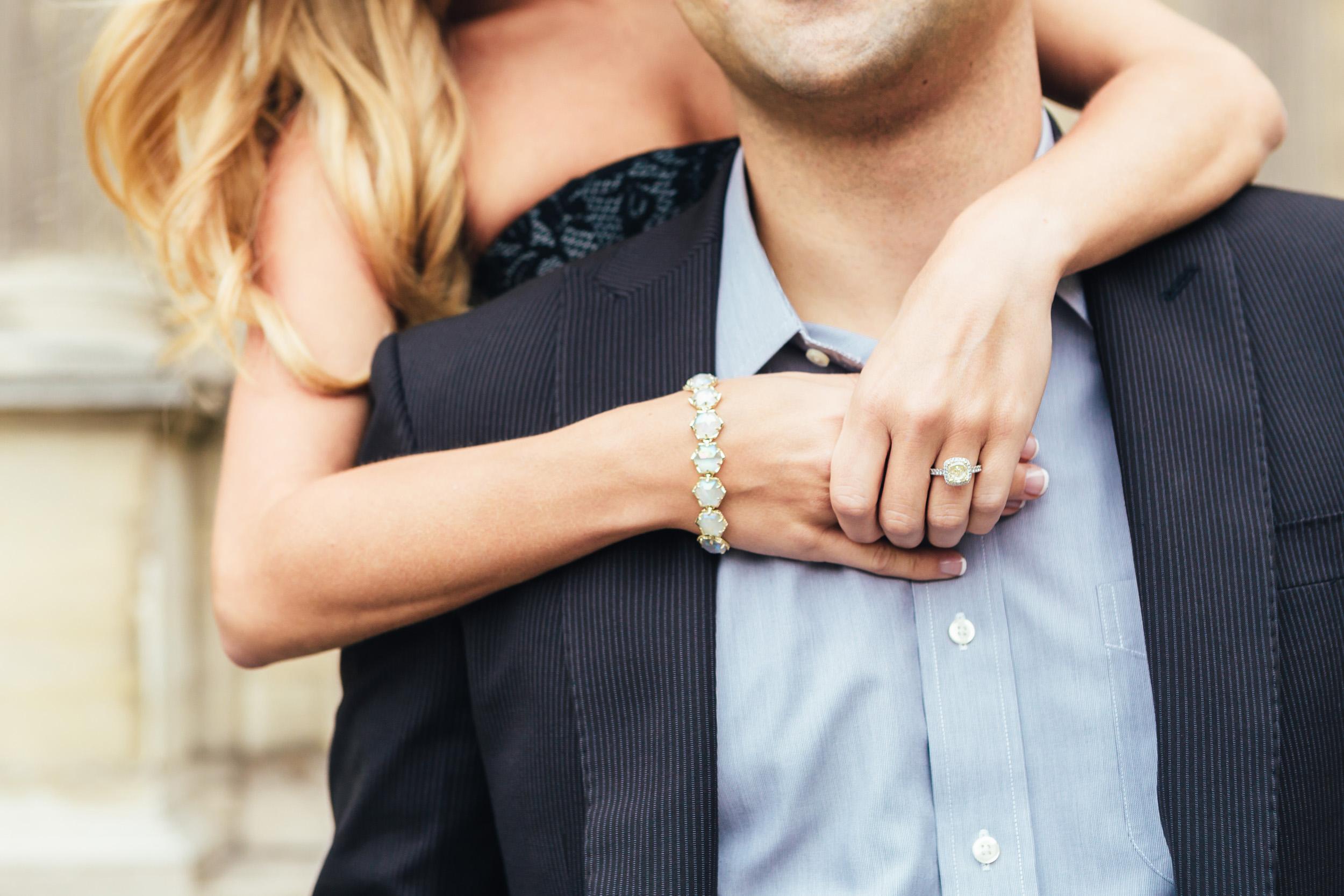 photographer in Paris engagement ring louvre