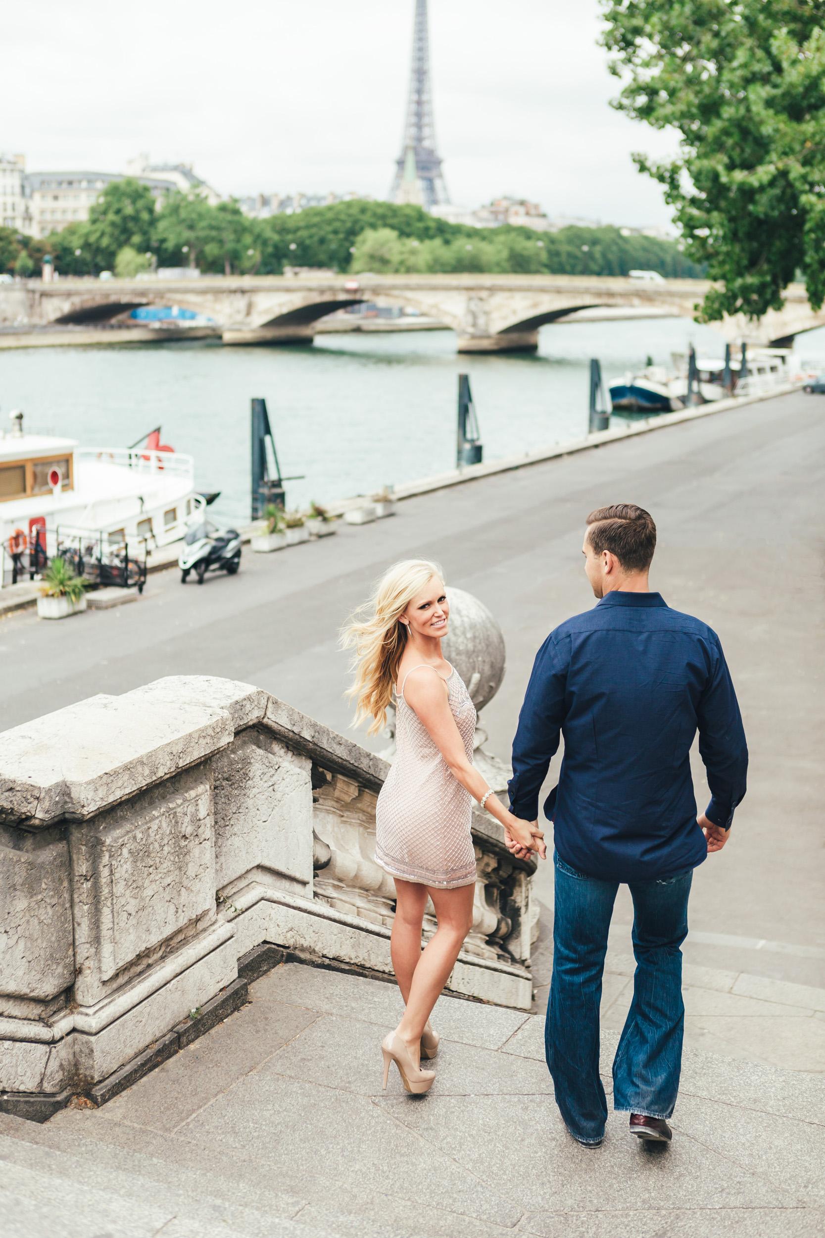 photographer in Paris engagement portrait Pont Alexandre III Eiffel Tower