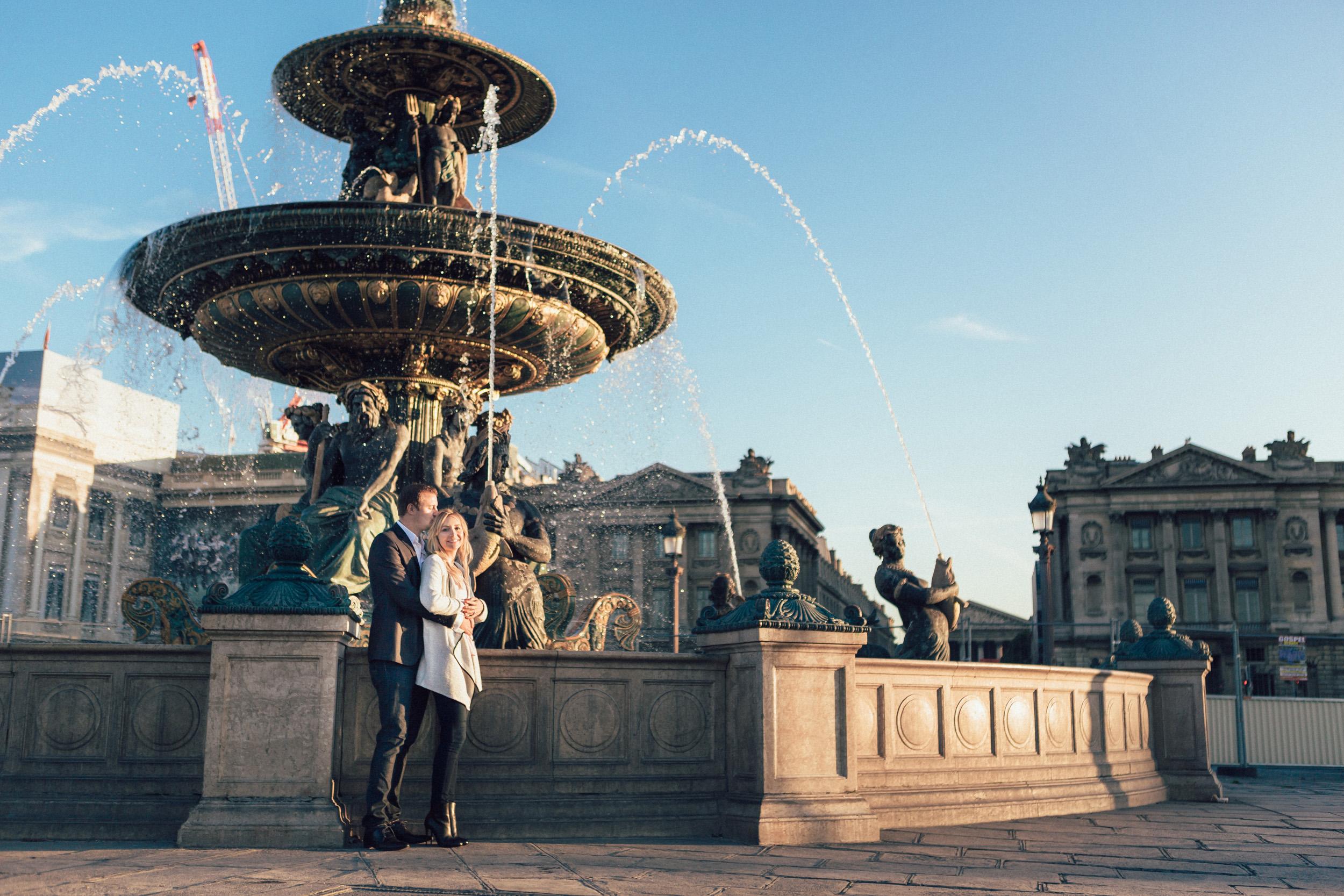 Paris photographer engagement concorde