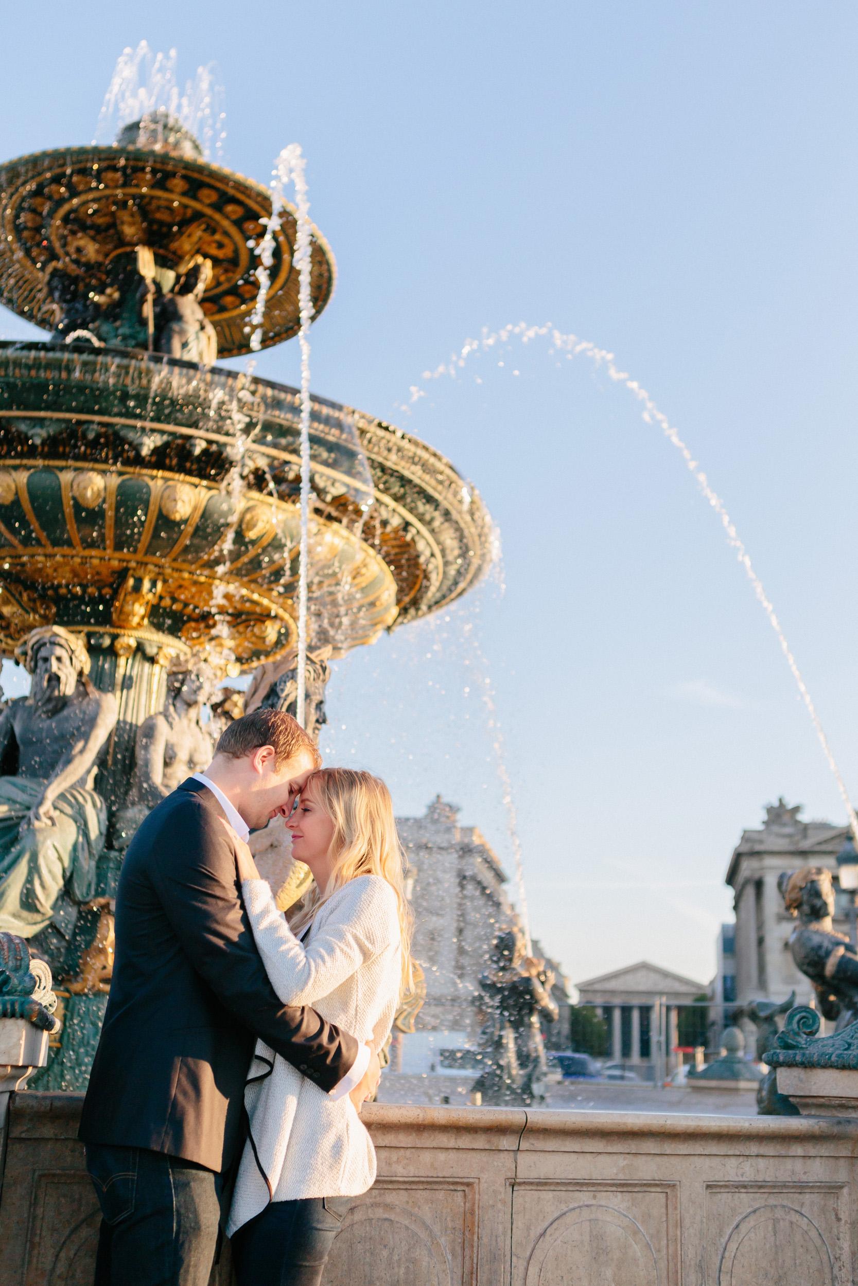 Paris photographer engagement concorde fountain