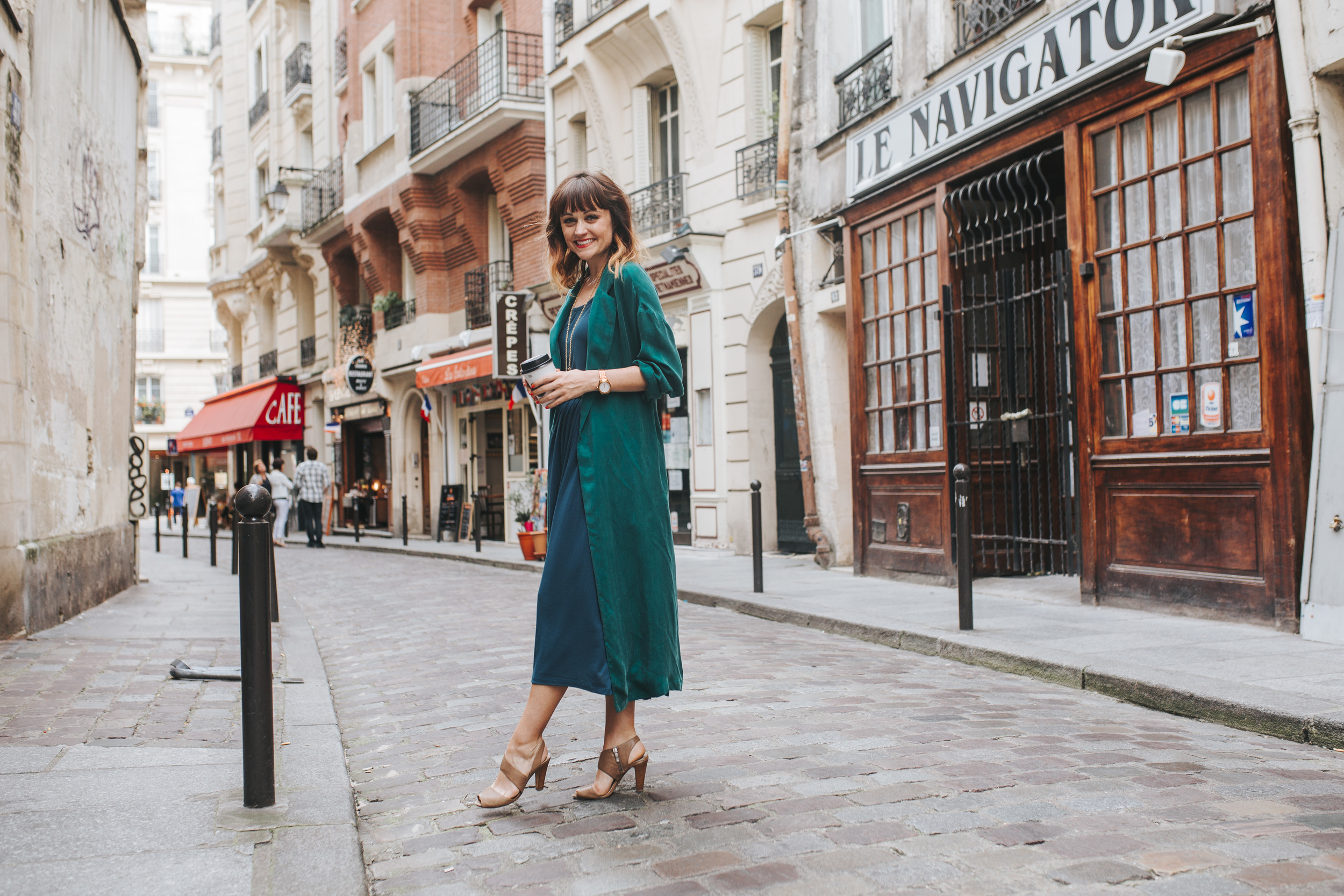 paris photographer fashion blogger lifestyle portrait at saint germain