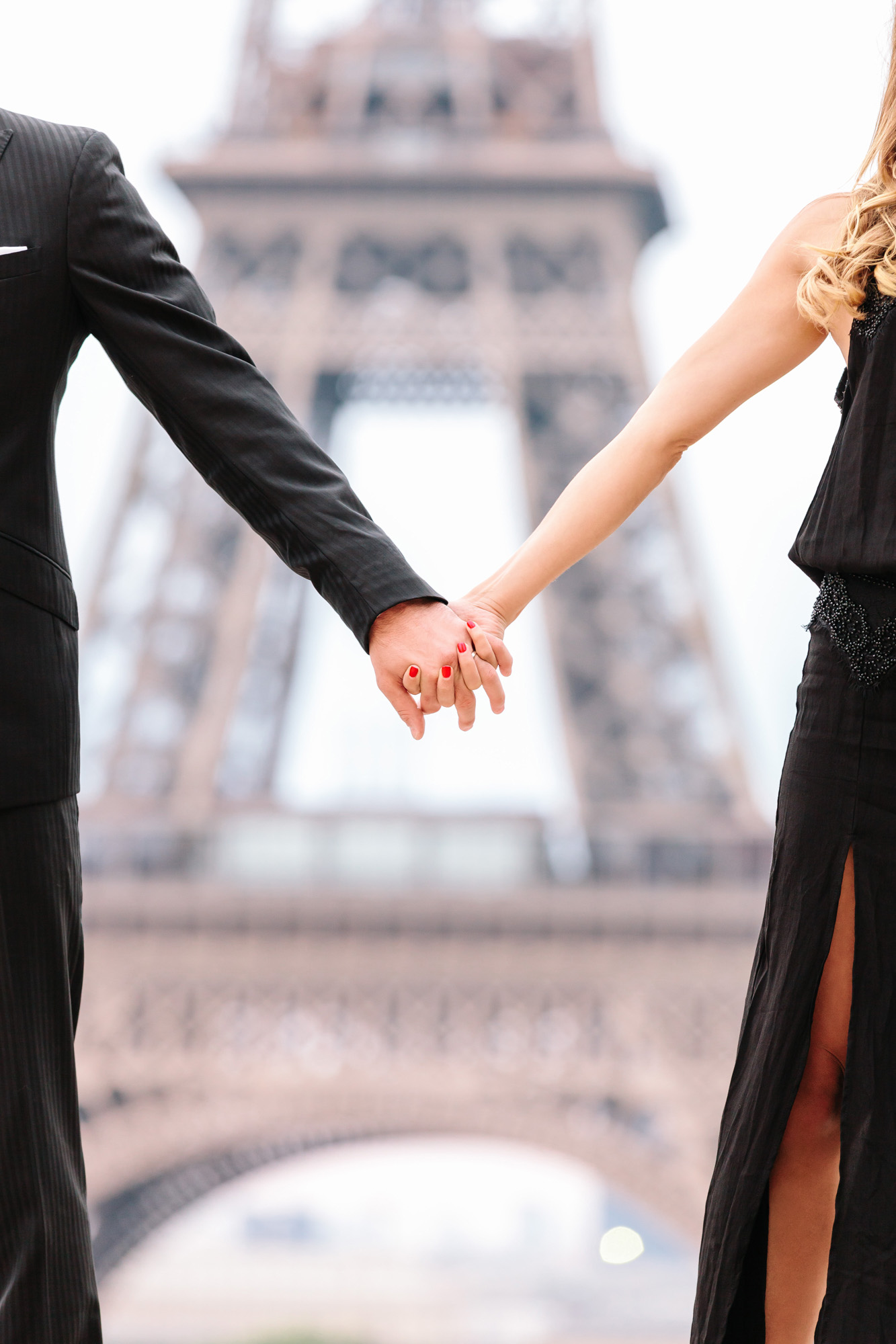 paris photographer travel love story eiffel tower