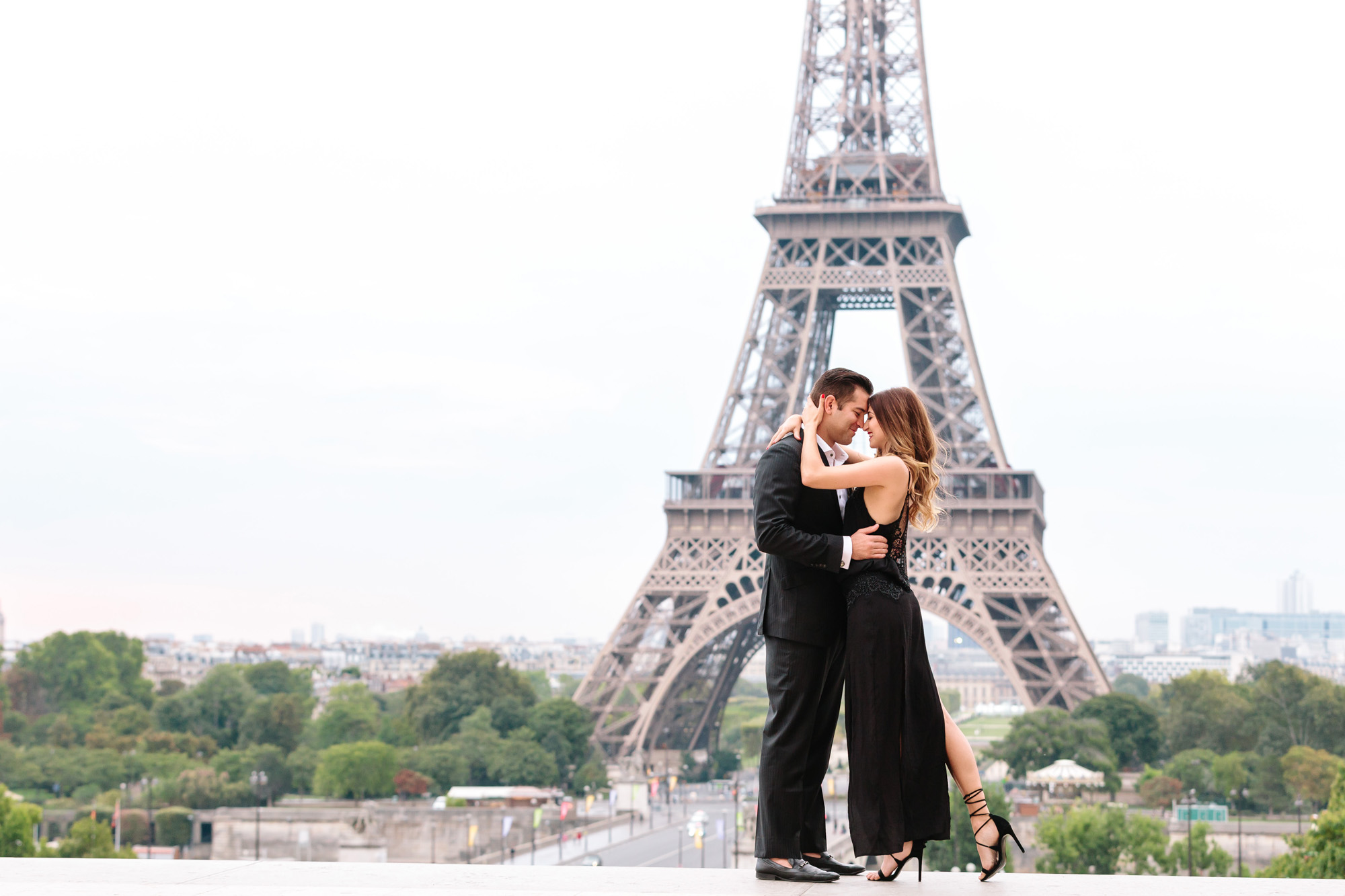Paris Photographer Travel Love story Eiffel Tower Couple Sesssion IheartParisfr