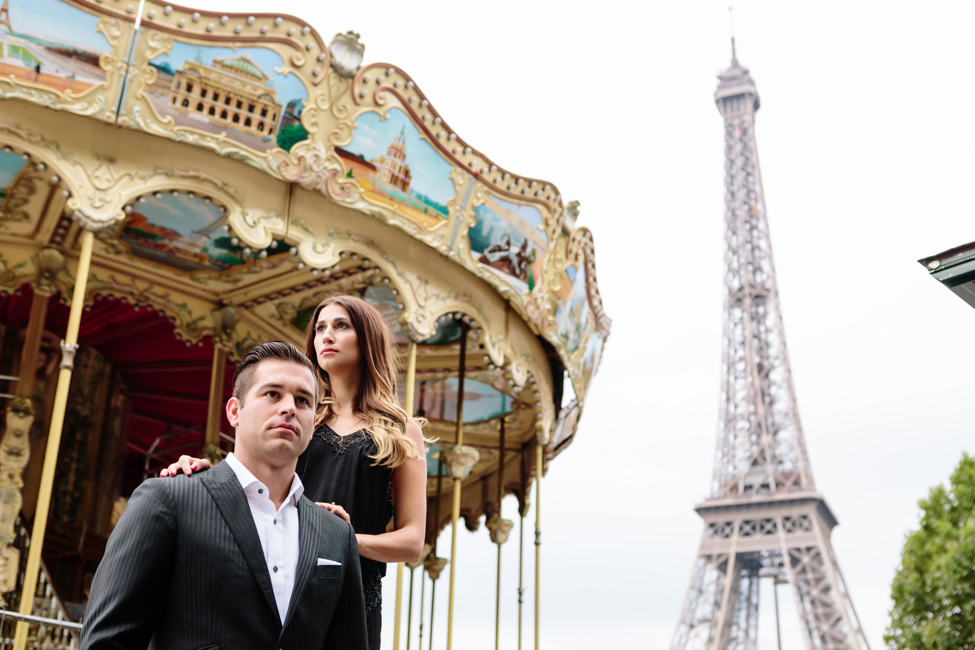 Paris Photographer Couple Sesssion Travel Lovestory Eiffel Tower Carousel IheartParisfr
