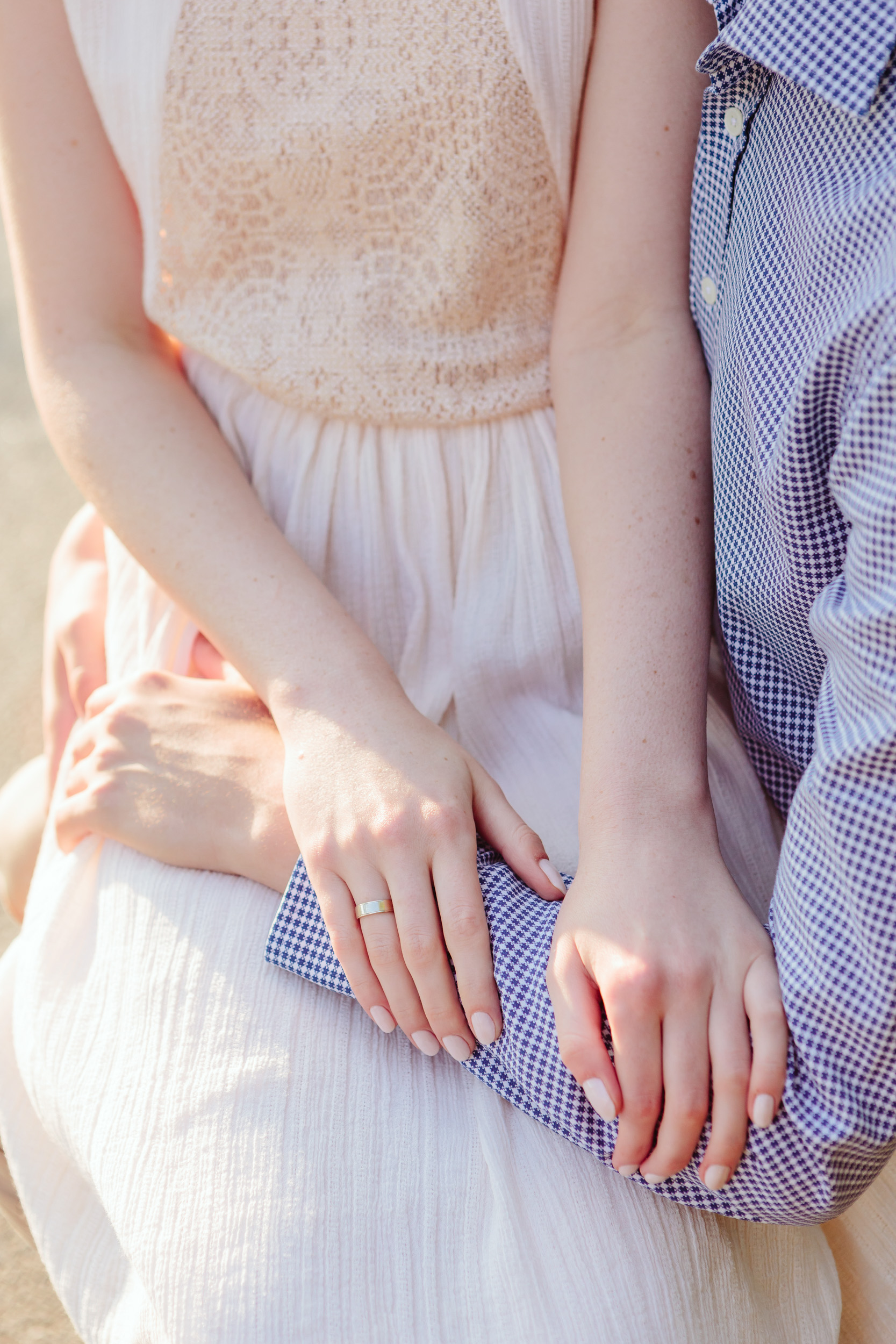 Couple in love details - gently holding hands captured by Paris Photographer Federico Guendel IheartParisFr