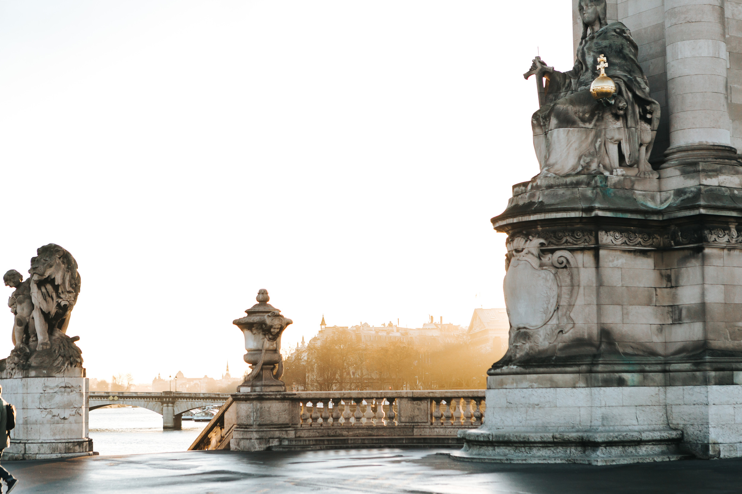 Sunrise view of Pont Alexandre III captured by Paris Photographer Federico Guendel IheartParis www.iheartparis.fr