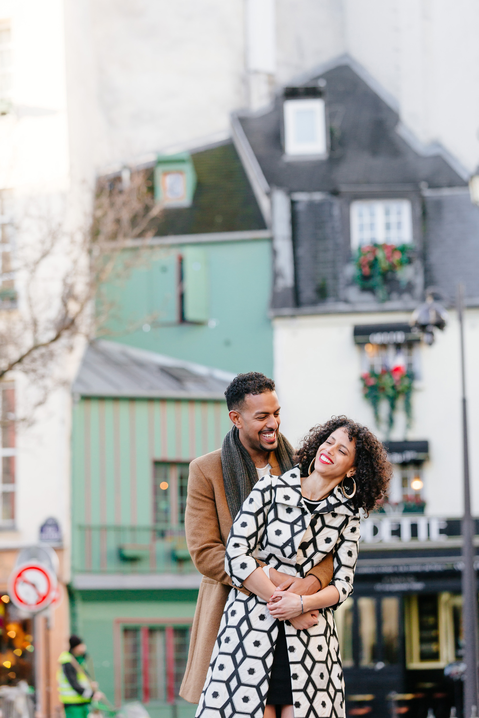 Couple session portrait at cafe Odette captured by Paris Photographer Federico Guendel IheartParis www.iheartparis.fr