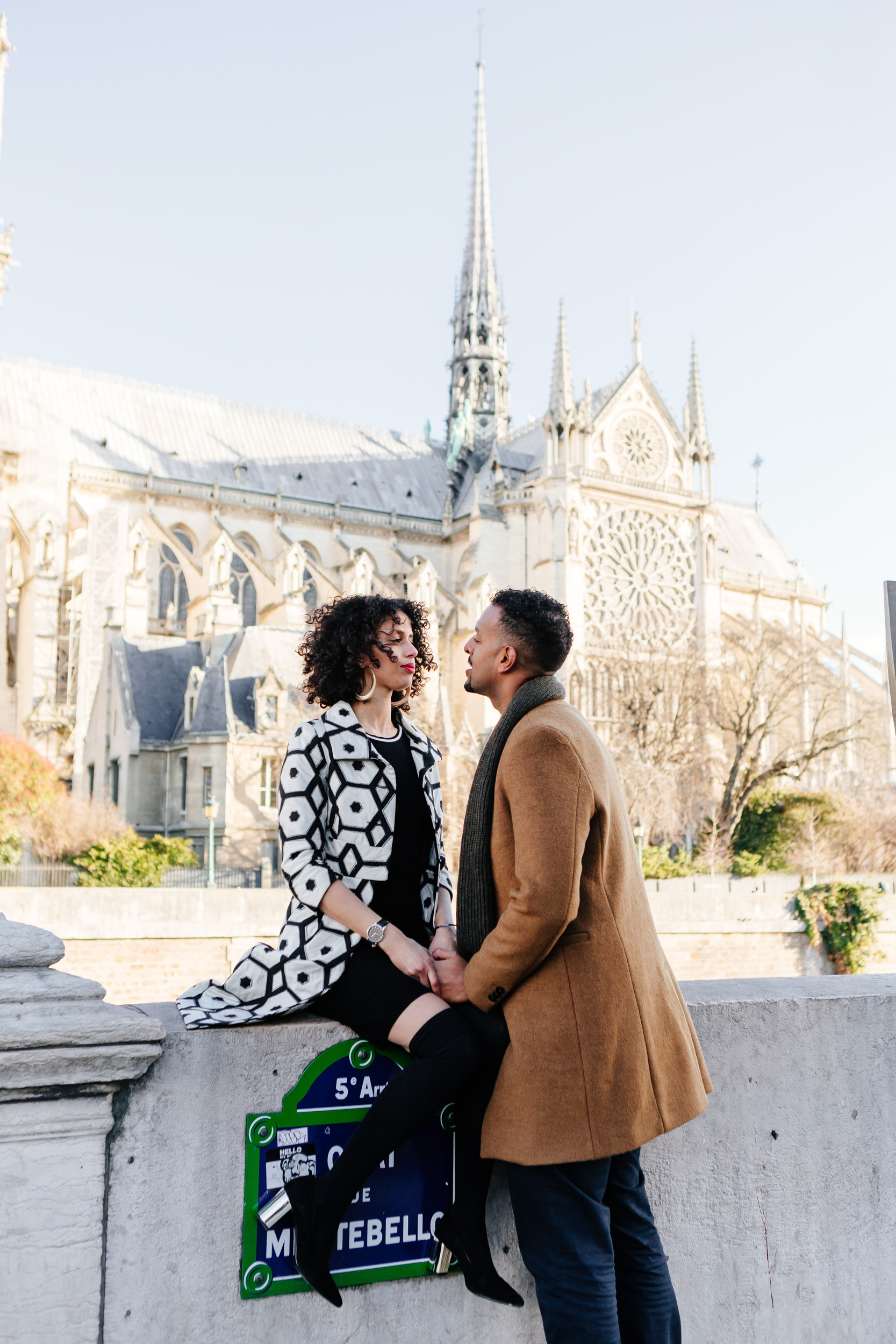 Couple session portrait by Notre Dame captured by Paris Photographer Federico Guendel IheartParis www.iheartparis.fr