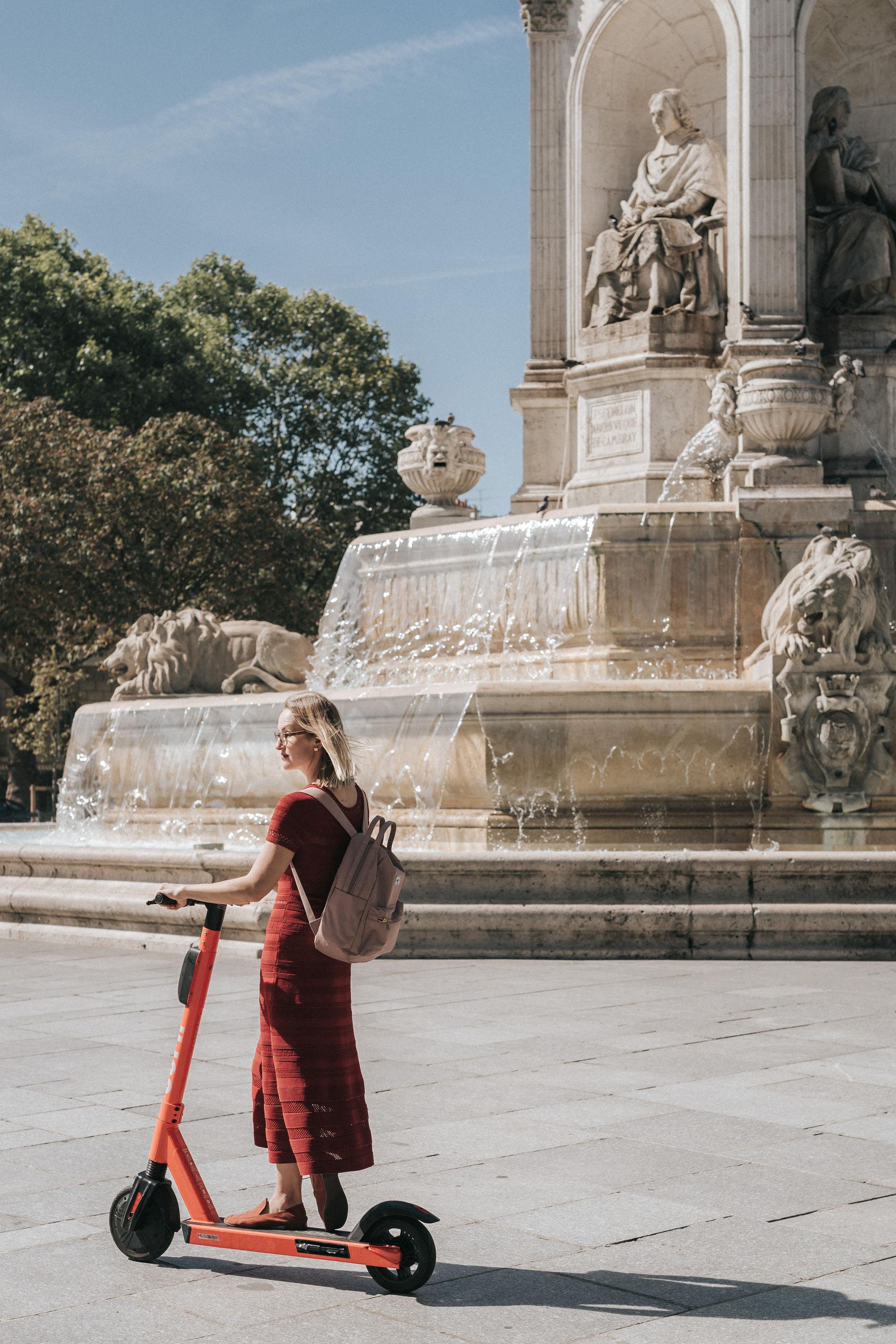 Scooter Review Jump by Paris Photographer Iheartparisfr.jpg