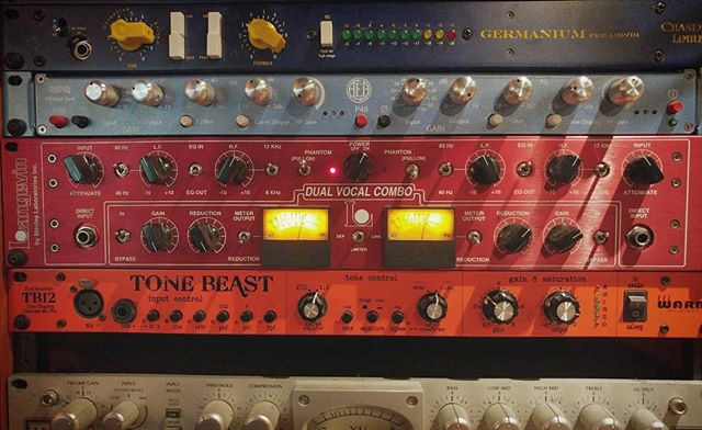 Got some new pieces finally racked up. Great to get to explore new tones. Plus the colors.... . . . @warmaudio @manleylabs @ribbonmics #tb12 #rpq #dvc #Preamp #analog #recording #engineer #engineering #studio #gear #stereo #outboard #outboardgear #analoggear #outofthebox #tracking #realmusic