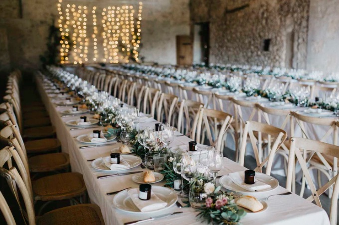 settings-table-chairs-wedding.jpg