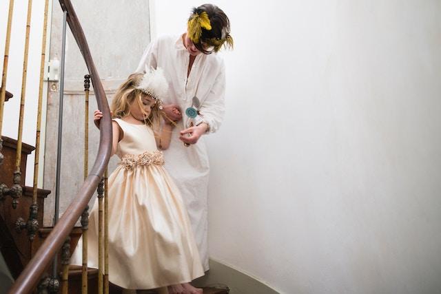 wedding-dresses-stairs-mother-daughter.jpg