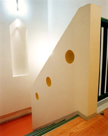 内野邸階段.jpg