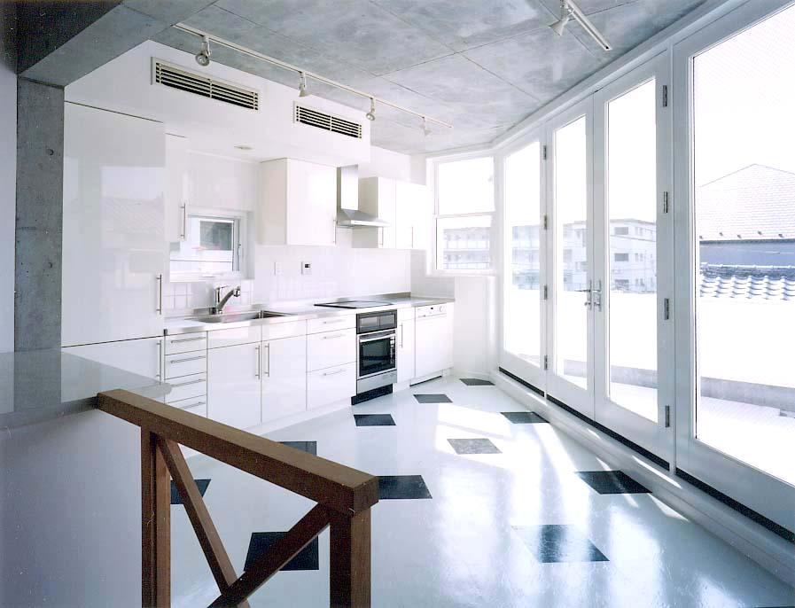 小泉邸2階キッチン.jpg
