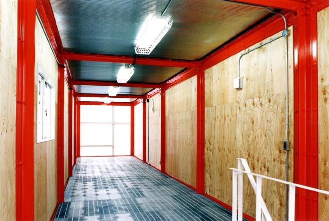 牧井ステンレス廊下3.jpg