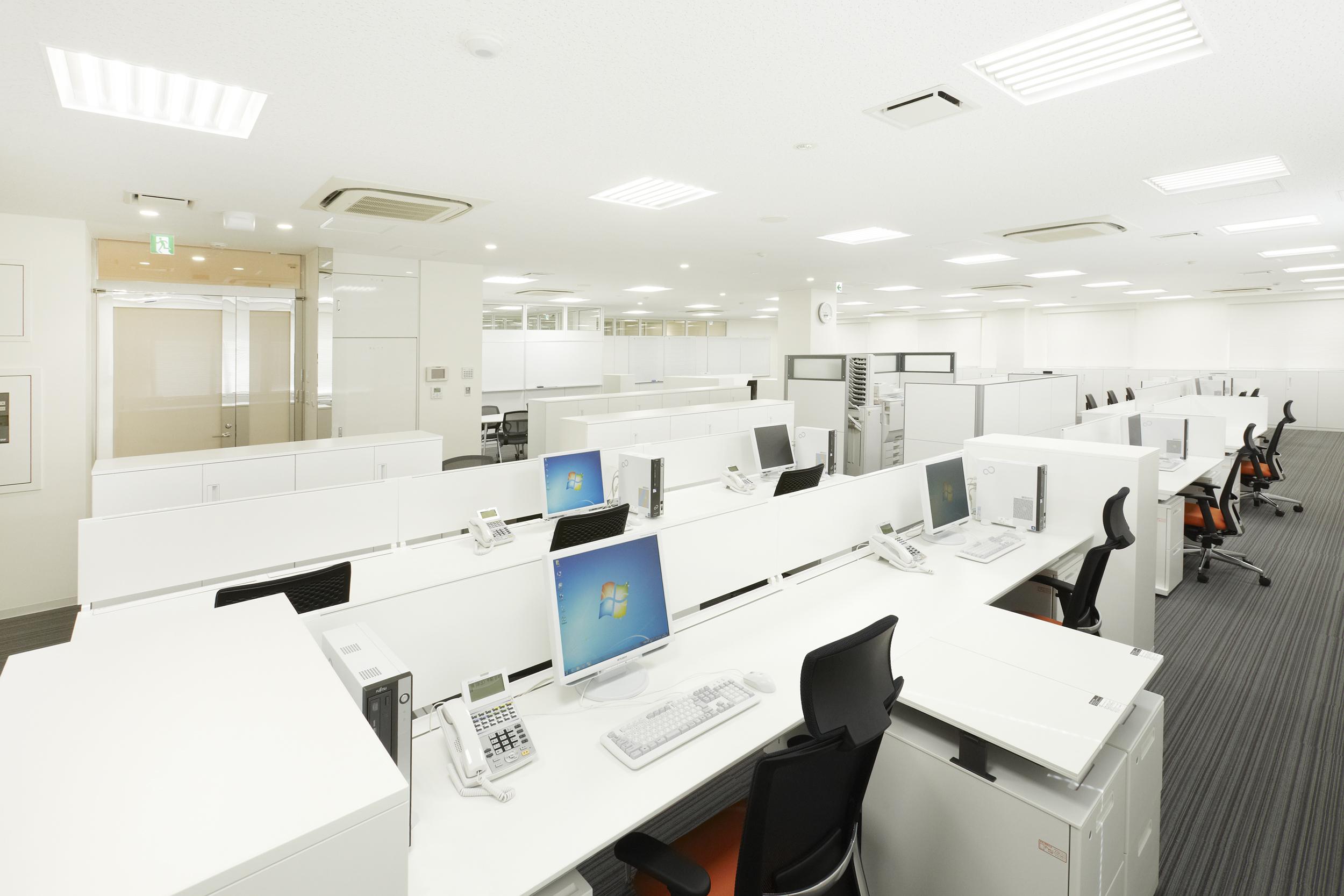 003.事務室.jpg