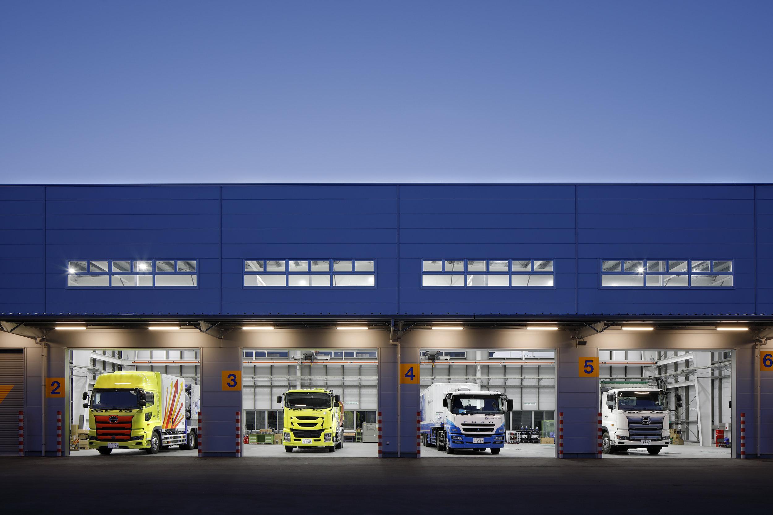 大型特装車整備塗装工場