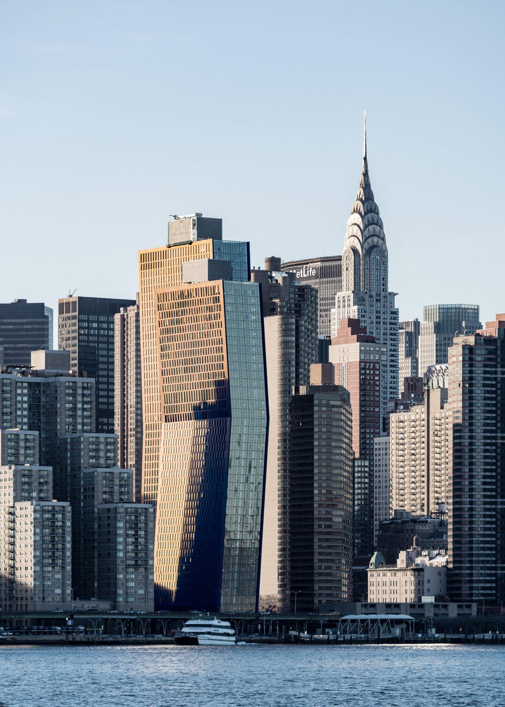 american-copper-shop-architects-manhattan-skyscraper-copper-bent-skybirdge-new-york-city-residential-usa_dezeen_2-1704x2386.jpg