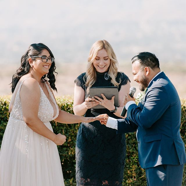 Happy Saturday!! Or as we like to say #Caturday 😻😉 I had the amazing opportunity to not only photograph these two beautiful humans BUT I got to marry them!!! Can't tell you how honored I felt and how much fun this was for me! (Especially running to change shoes right after the ceremony! Haha)  more to come from this sunny SoCal wedding!