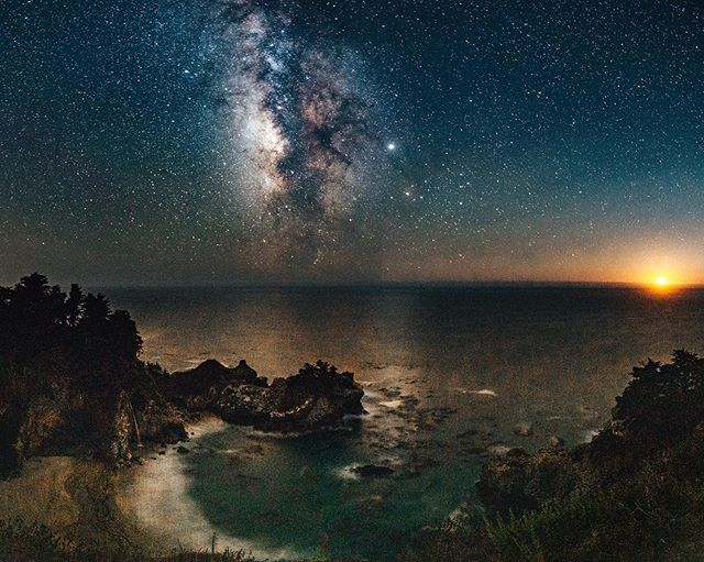 Moonset in Big Sur . . . #bigsur #bigsurcoast #esalen #milkyway #moonset #astrophotography #nightphotography #longexposure #videoschoolonline #vso #udemy #photooftheday #esalen #castateparks #juliapfiefferburnsstatepark #pfeifferbeach #waterfall #getoutthere #wanderlust #travelphotography #Sony #sonyalpha #a7riii #sonypro #natgeo #natgeoyourshot #instagood #instamood #starrynight