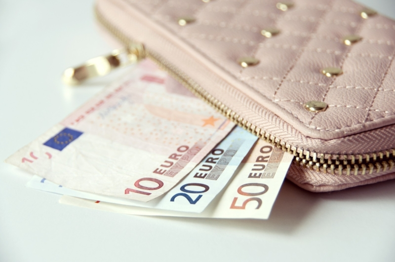 What To Do if Your Wallet or Passport is Stolen