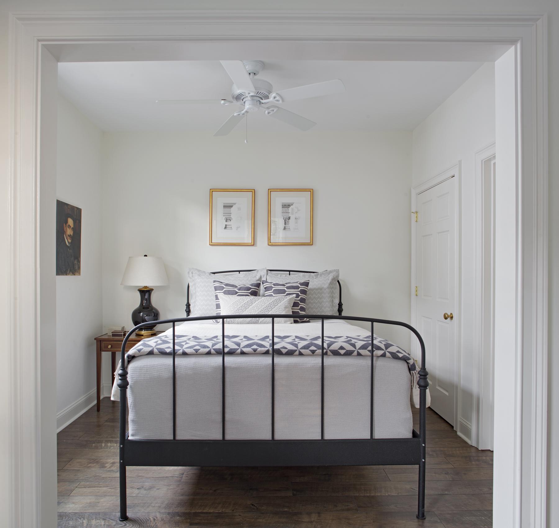 31- Carriage House _ Bedroom.jpg
