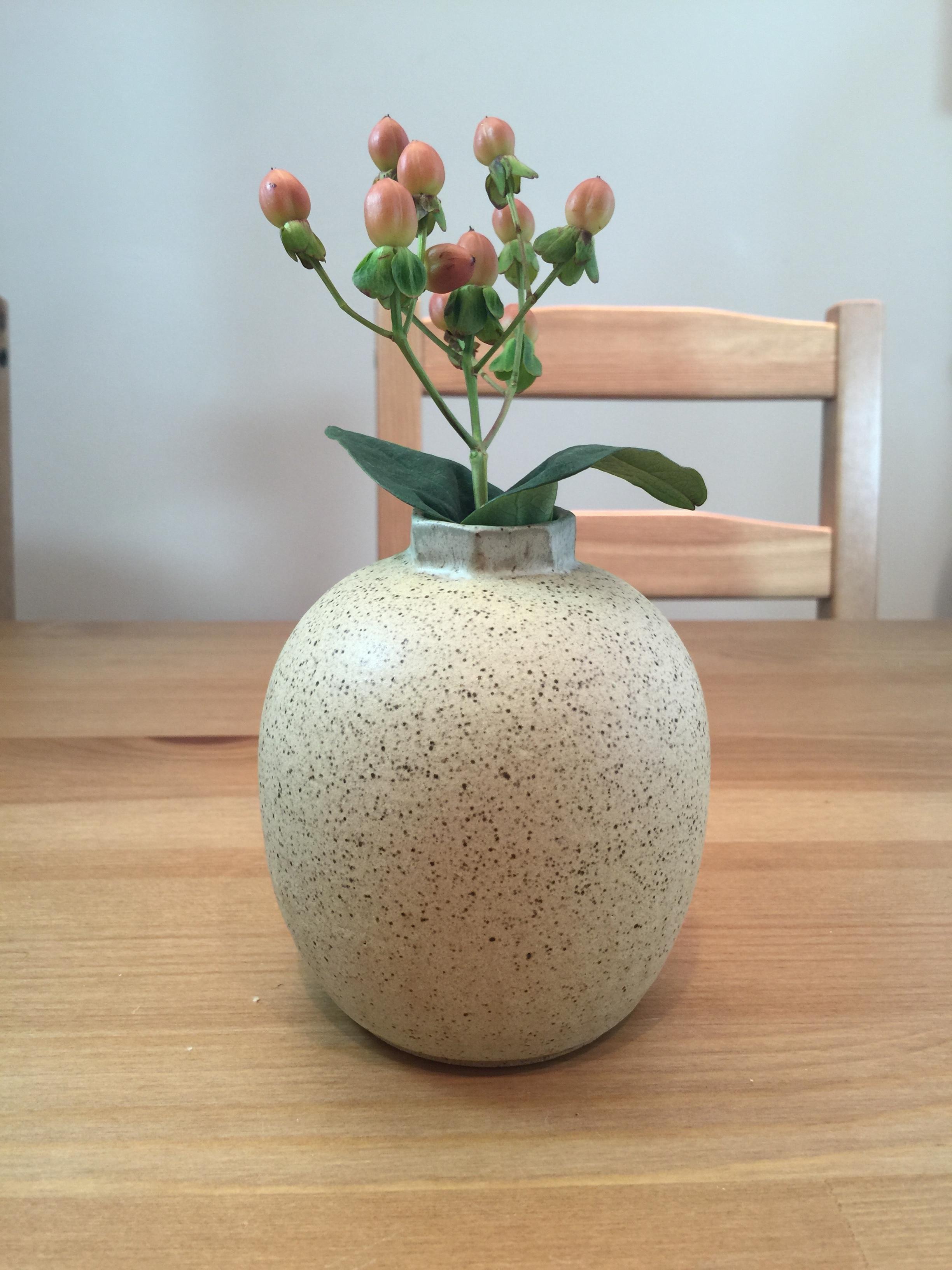 smal hexagonal vase