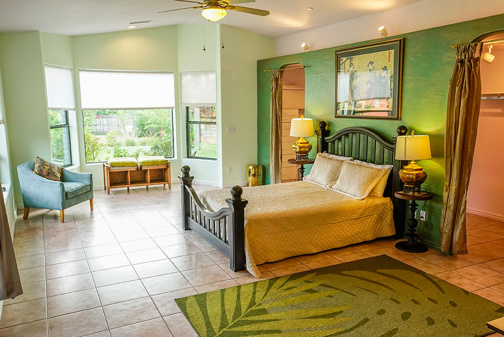 Jade Room - Queen Bed, Private Full Bathroom, Walk In ClosetDouble OccupancyEarly Bird: $1885 per personAfter June 30th: $2075 per person(SOLD)