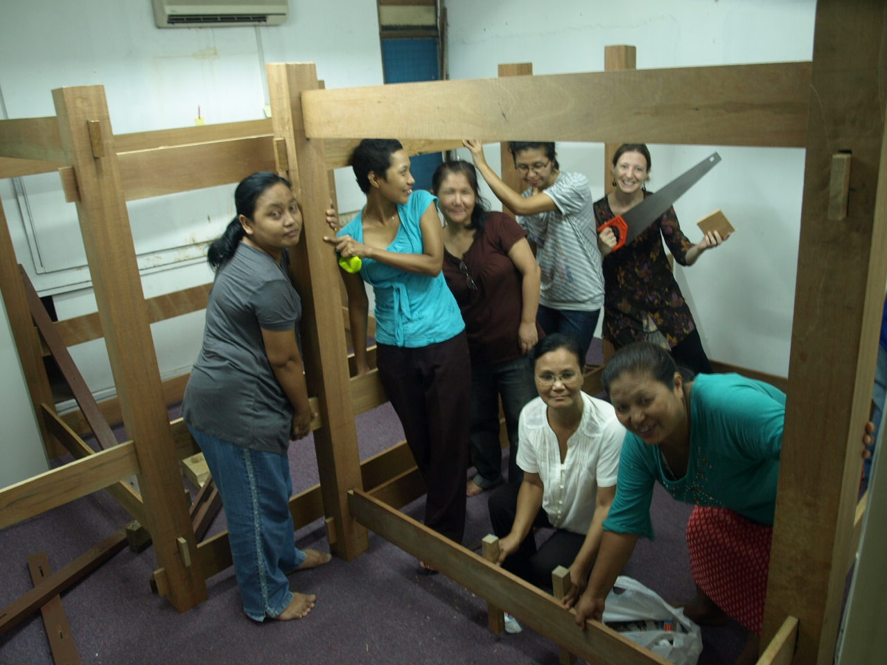 Loom's contruction 2011 (2).JPG