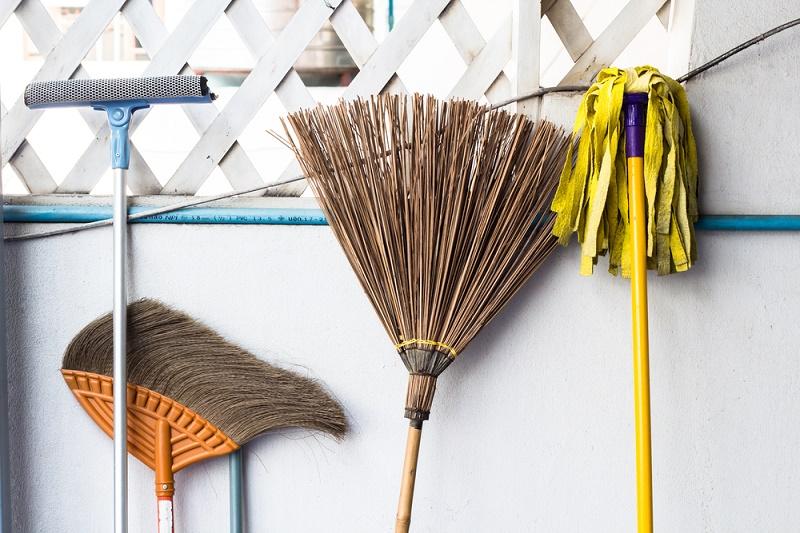 Preparing-home-for-selling_sstock.jpg