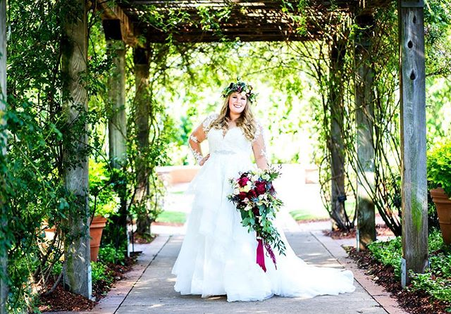 Another stunning bride!