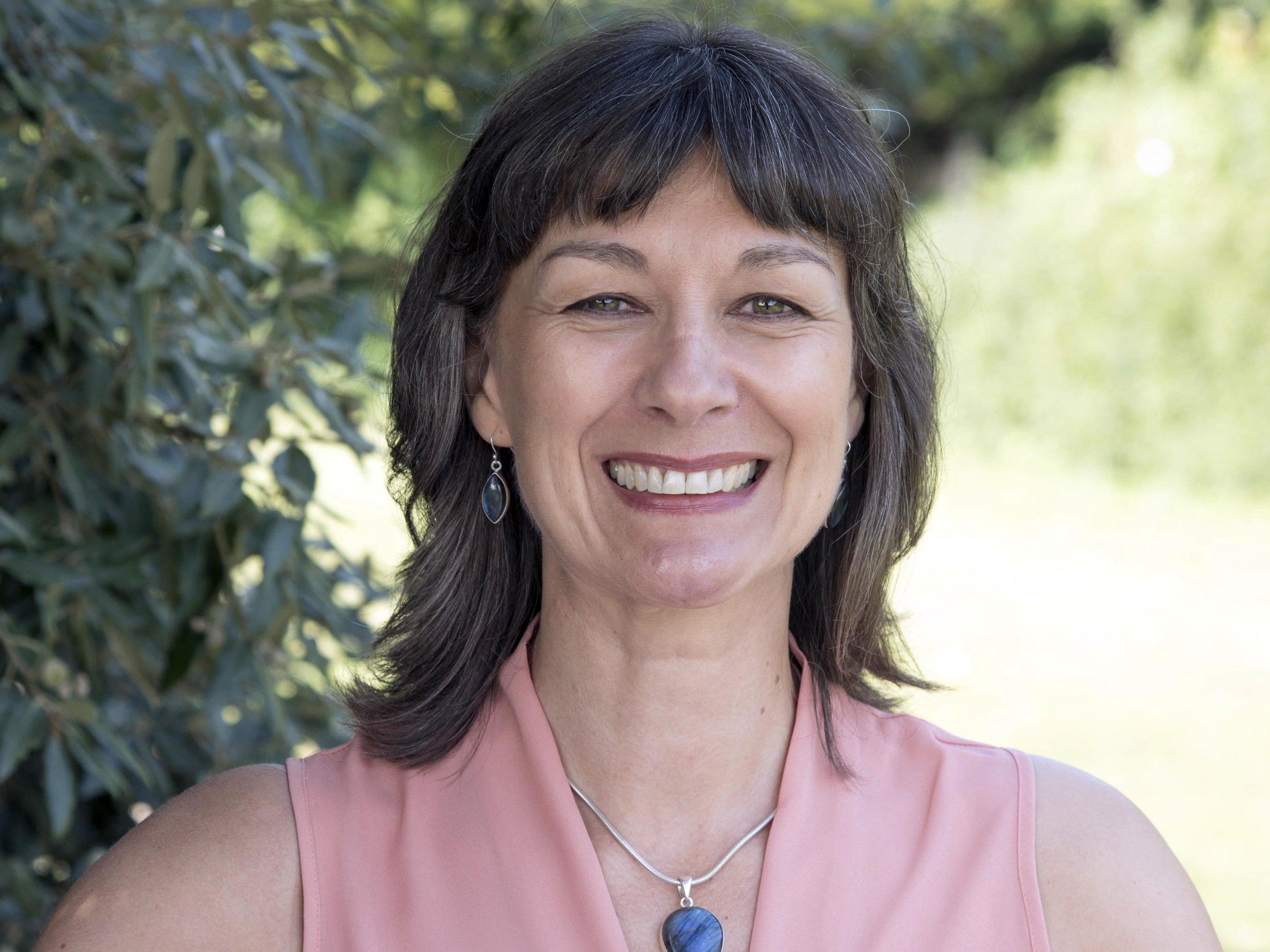 Lewes Hypnotherapist Linda Deacon