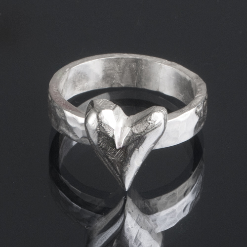 Sturdy silver ring with heart