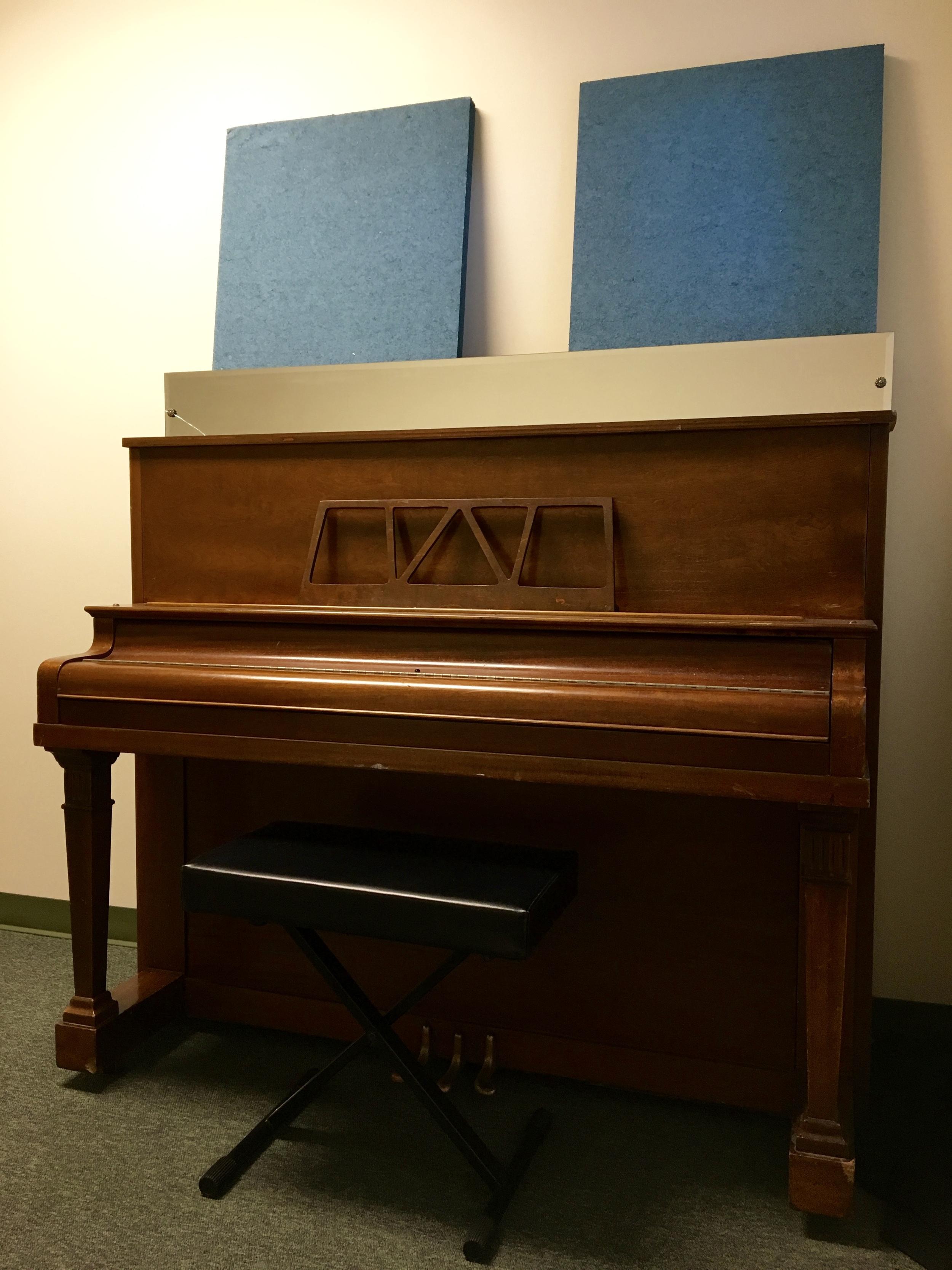 ROOM 1 UPRIGHT PIANO PROVIDED