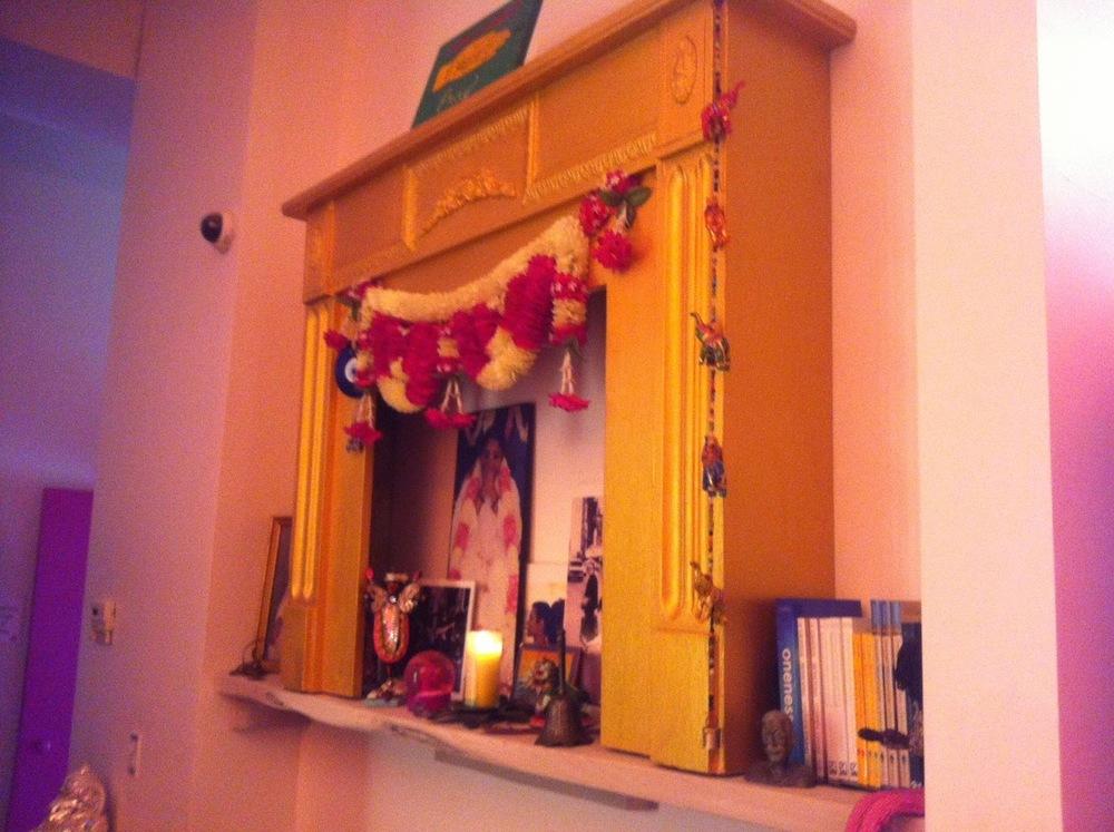 Baba+Ji+Altar.jpg